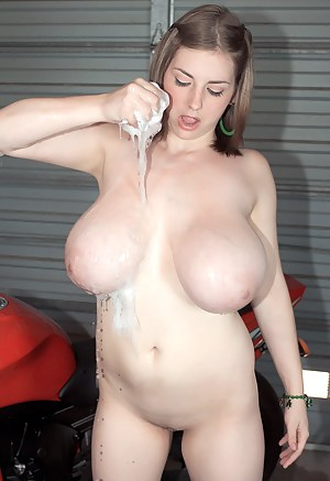Teen Natural Tits Porn Pictures